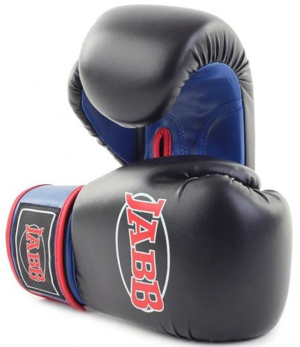 Перчатки боксерские Jabb JE-2015, цвет: черный, синий, 8 oz310995Боксерские перчатки Jabb JE-2015 предназначены для начинающих спортсменов. Перчатки выполнены из искусственной кожи. Наполнитель перчаток - ударопоглощающая высокотехнологичная формованная IMF пена. Внутренний материал - водоотталкивающий трикотаж. Перчатки имеют эластичный манжет на застежке-липучке Velcro.