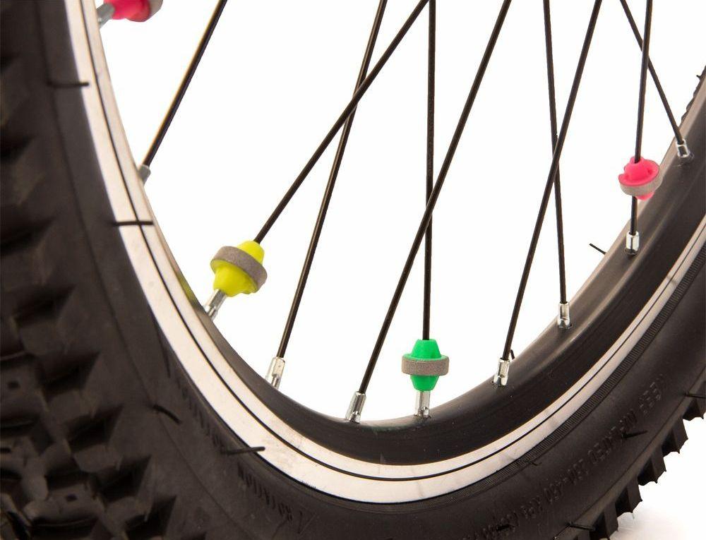 Светоотражатели на спицы Salzmann Шарики, 36 шт. 43458336034Материал: ABS – пластикВ комплекте: 36 штОтражающий материал: 3M ScotchliteОтражающий значение: 600 lux