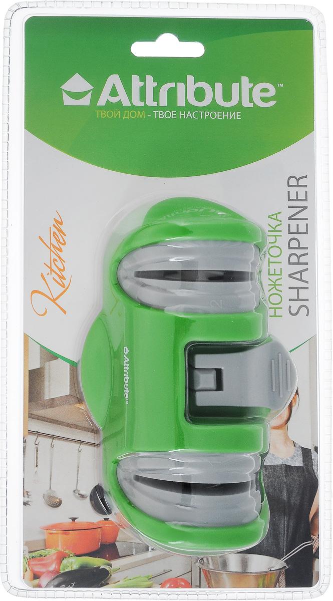 Ножеточка Attribute Knife, цвет: серый, зеленыйASK003Ножеточка Attribute Knife - незаменимый аксессуар на любой кухне. Изделие позволяет быстро и качественно заточить нож. Подходит для заточки различных видов ножей из нержавеющей стали, кроме ножей с зубчатыми лезвиями. Изделие имеет два отсека: 1 отсек предназначен для предварительной заточки ножа; 2 отсек предназначен для окончательной правки лезвия ножа.Ножеточку удобно использовать: просто двигайте ножи вперед-назад. Вакуумная присоска не позволит ножеточке переместиться. Не рекомендуется мыть в посудомоечной машине.Размер точилки: 13 х 7 х 4,5 см.