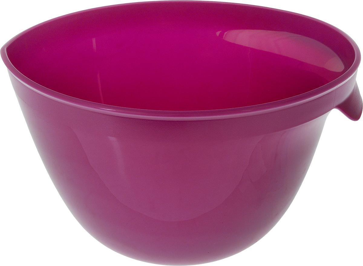 """Миска для миксера Curver """"Essentials"""" изготовлена из прочного  пищевого пластика, имеет круглую форму. Благодаря высоким  стенкам и удобной ручке в такой миске очень удобно смешивать  продукты миксером. Носик поможет аккуратно вылить жидкость.  Прорезиненное основание предотвращает скольжение миски  по столу. Такая миска пригодится в любом хозяйстве, ее также  можно использовать для хранения и сервировки различных  пищевых продуктов.  Можно мыть в посудомоечной машине. Объем: 3,5 л.  Диаметр по верхнему краю: 23 см.  Высота стенки: 15 см."""
