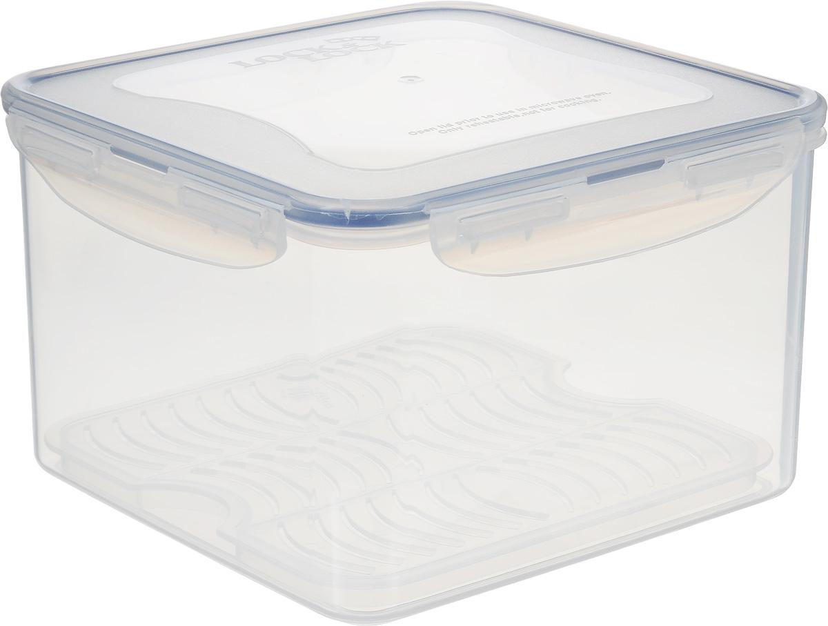 Контейнер пищевой Lock&Lock Classics, 3,7 лHPL858DКонтейнер Lock&Lock Classics изготовлен из высококачественного пластика, который не содержит Бисфенол-А, не выделяет вредных веществ. Герметичная пластиковая крышка снабжена уплотнительной резинкой, надежно закрывается с помощью четырех защелок. Контейнер с абсолютной непроницаемостью воды, воздуха и любых запахов. Обеспечивает длительное сохранение свежести продуктов. Подходит для мытья в посудомоечной машине, хранения в холодильных и морозильных камерах, использования в микроволновых печах.