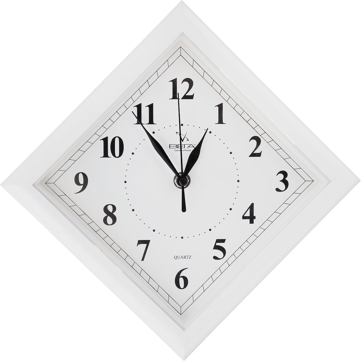 Часы настенные Вега Классика. Ромб, цвет: белый, 20,6 х 20,6 х 4 смП3-7-51Настенные кварцевые часы Вега Классика. Ромб в классическом дизайне,изготовленные из пластика, прекрасно впишутся в интерьервашего дома. Часы имеют три стрелки: часовую,минутную и секундную, циферблат защищен прозрачнымпластиком.Часы работают от 1 батарейки типа АА напряжением 1,5 В (не входит в комплект).