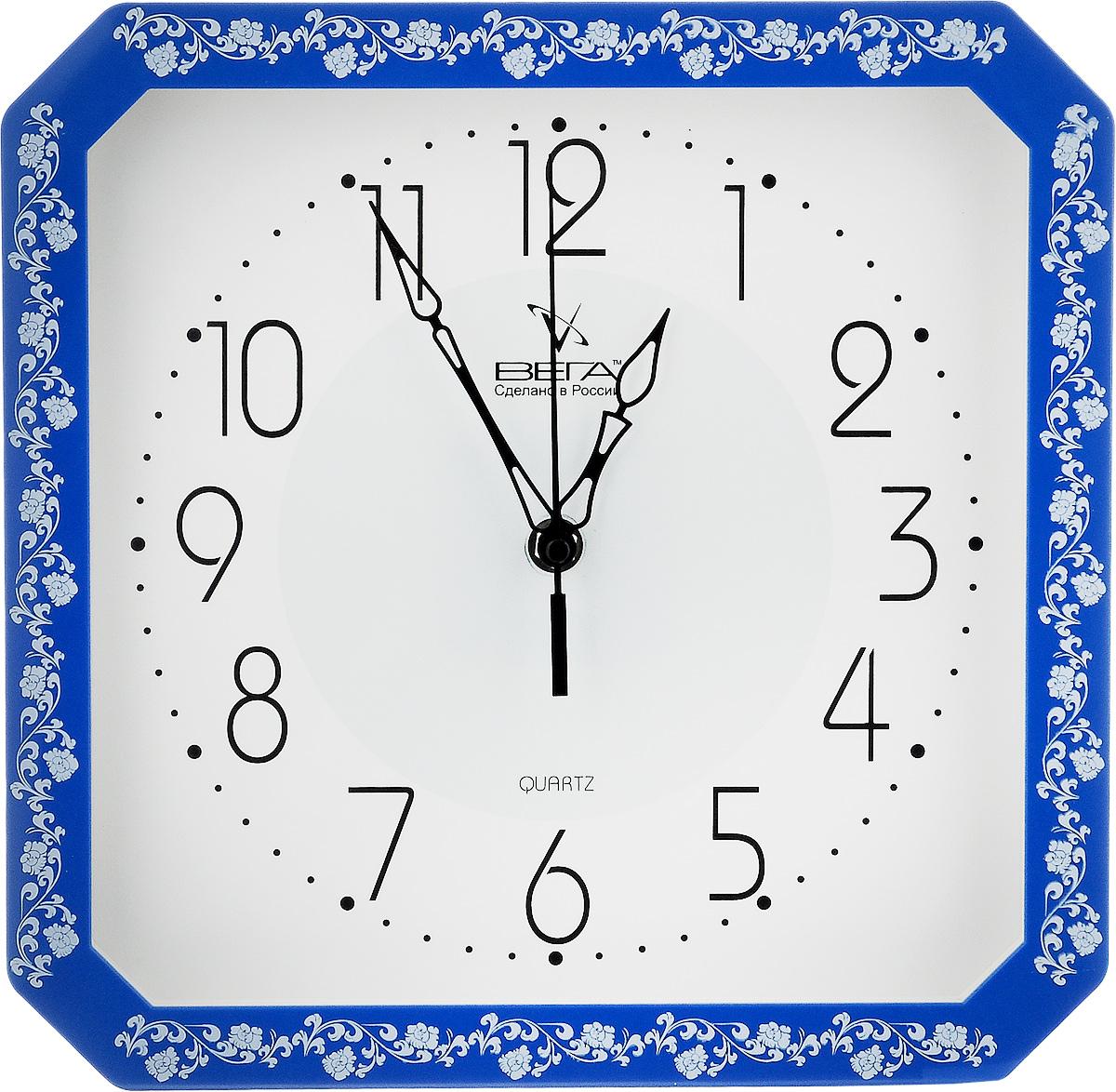Часы настенные Вега Классика с узором, цвет: синий, белый, 28 х 28 х 4 смП4-10724/7-30Настенные кварцевые часы Вега Классика с узором, изготовленные из пластика, прекрасно впишутся в интерьервашего дома. Часы имеют три стрелки: часовую,минутную и секундную, циферблат защищен прозрачнымстеклом.Часы работают от 1 батарейки типа АА напряжением 1,5 В (не входит в комплект).