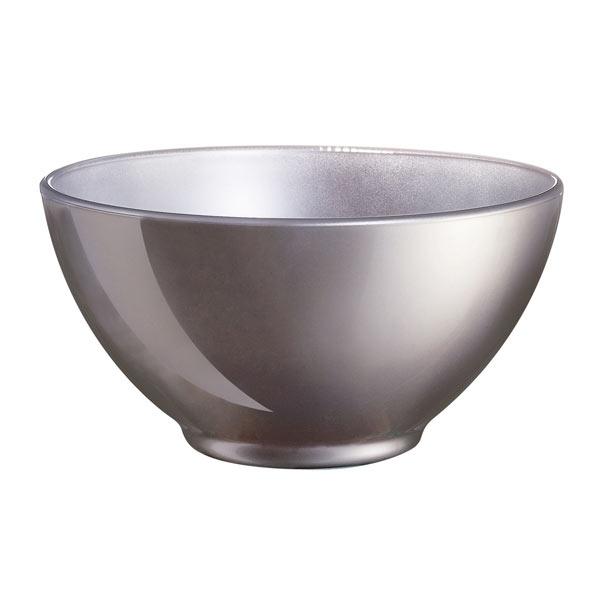 Салатник Luminarc Flashy Colors, цвет: серый, 500 млJ1126Салатник Flashy Colors от Luminarc из качественного ударопрочного стекла пригодится на каждой кухне. В универсальном салатнике можно подавать холодные закуски, легкие салаты, снеки к чаю. Его можно использовать в СВЧ-печи и посудомоечной машине.Объём салатника - 500 мл.
