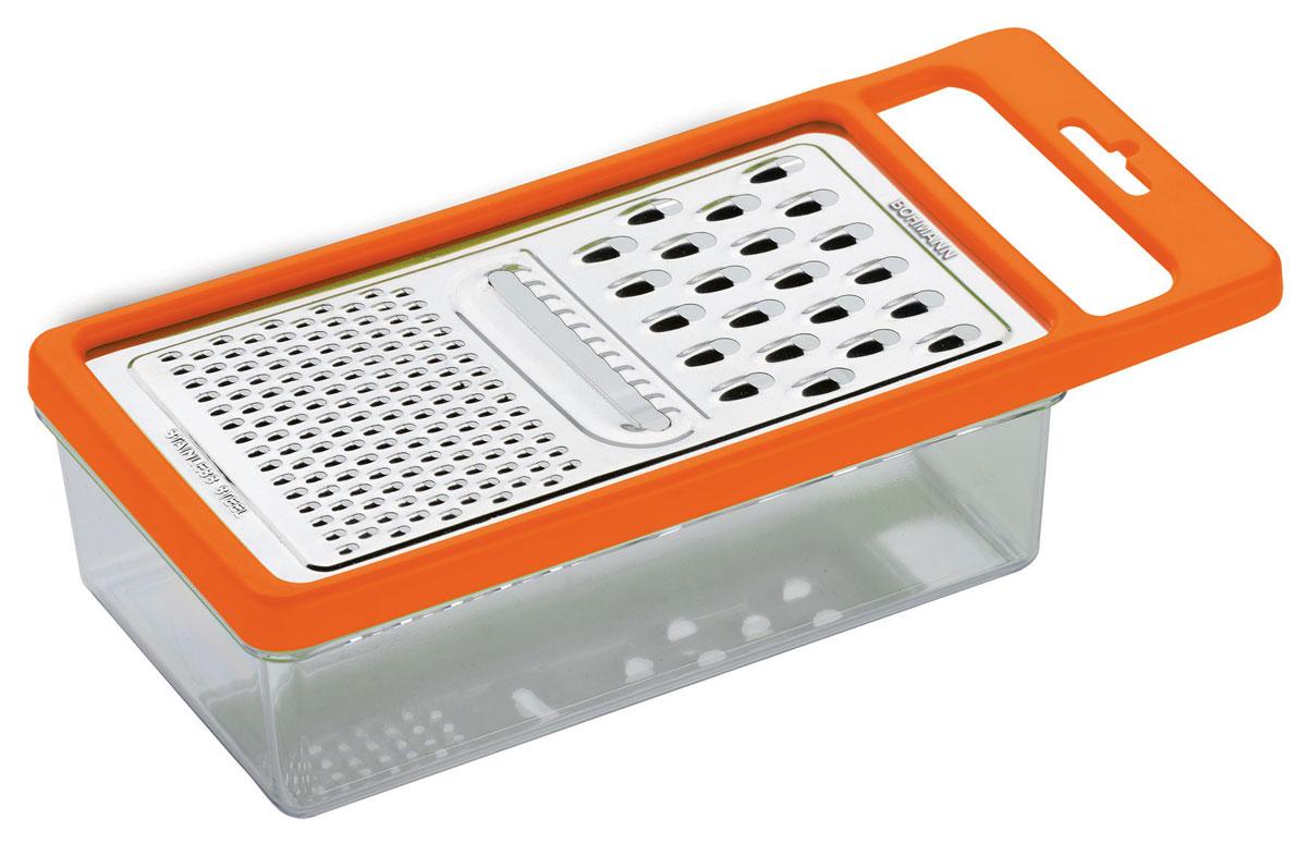 Терка Bohmann, с контейнером, цвет: оранжевый02519BHТерка с контейнером Bohmann, изготовленная из стали и пластика, непременно понравится каждой хозяйке. На одной терке представлены три вида терок - крупная терка, мелкая терка и терка пластинами с рифленой поверхностью. Терка посажена на специальный контейнер и надежно закреплена. Терка снабжена ручкой, чтобы при использовании не было дискомфорта в обращении.Не рекомендуется мыть в посудомоечной машине.Размер терки (с учетом ручки): 25 х 11 х 1 см.Размер контейнера: 19,5 х 10,7 х 6 см.