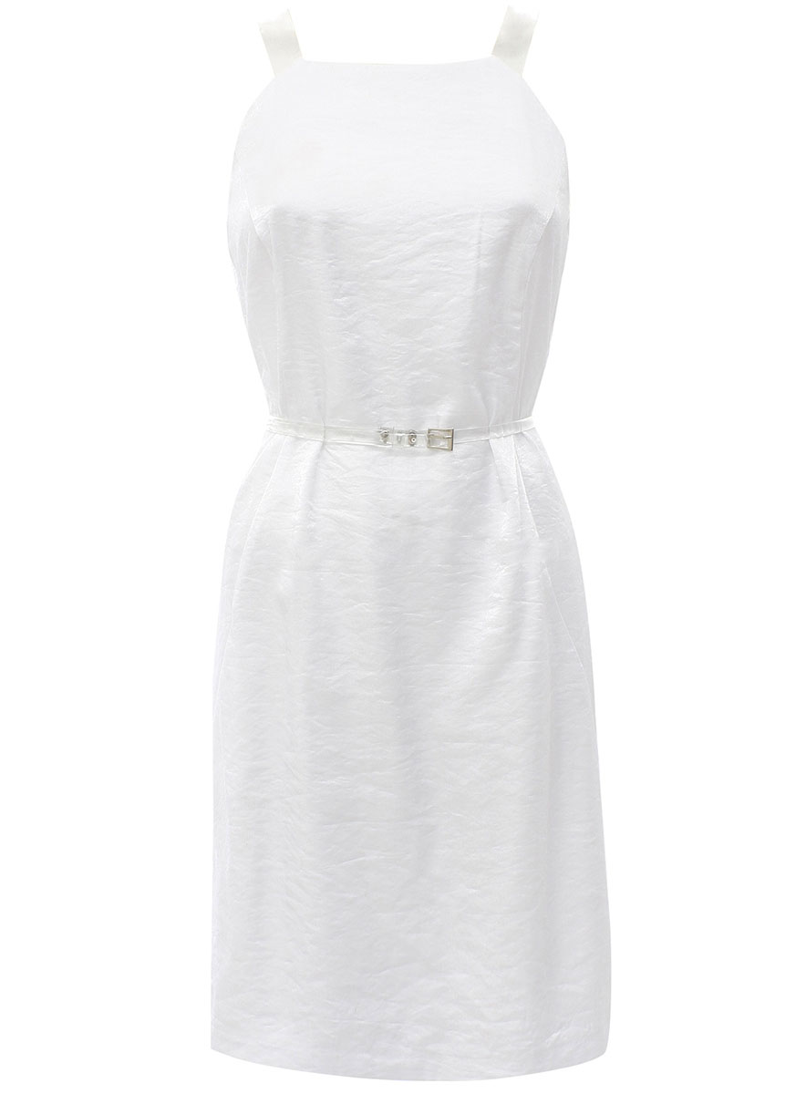 Платье oodji Ultra, цвет: белый. 11902112M/31485/1000N. Размер 34-170 (40-170)11902112M/31485/1000NОригинальное платье oodji Ultra выполнено из качественного комбинированного материала. Приталенная модель средней длины на широких бретелях застегивается на скрытую молнию на спинке.В комплект с платьемвходит узкий ремень из прозрачного материала с металлической пряжкой.