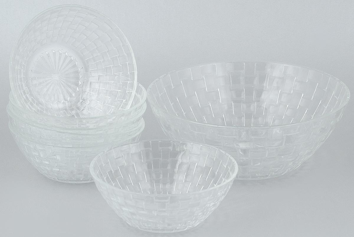 Набор салатников Wellberg, 7 предметов. 50462WB50462WBНабор Wellberg включает в себя 6 маленьких салатников и 1 большой. Изделия выполнены из высококачественного стекла. Салатники отличноподойдут для сервировки стола.Оригинальность дизайна набора всем придется по вкусу. Салатники можно мыть в посудомоечной машине. Диаметр большого салатника по верхнему краю: 22,5 см. Диаметр основания большого салатника: 11 см. Высота большого салатника: 9 см. Диаметр маленьких салатников по верхнему краю: 15 см. Диаметр основания маленьких салатников: 7,5 см. Высота маленьких салатников: 6 см.