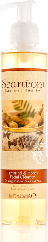 Sranrom Очищающий гель для лица Тамаринд и Мед 200 мл102-5002Древние тайские рецепты ухода за вашей кожейГладкая чистая кожа — это неотъемлемая часть женской красоты, и поэтому уходу за ней стоит уделить особое внимание. Испокон веков тайки использовали тамаринд как освежающее и осветляющее средство для кожи. Это растение содержит большое количество альфа-оксикислот, благодаря чему оно отлично справляется с отшелушиванием ороговевших частиц.Мы предлагаем вашему вниманию очищающий гель для лица, в котором природные свойства тамаринда объединились со следующими ингредиентами:• экстрактом хлебного дерева, солодки, тамаринда, махаада;• медом;• тертыми кукурузными зернами;• натуральными волокнами люфы.99% составляющих представленной косметики — полностью натуральны. Они прекрасно воздействуют на кожу, способствуя отслаиванию мертвых клеток, а также увлажнению и защите новых.Это мягкое средство подходит для любого типа кожи. Применяйте его дважды в день. Нанеся небольшое количество геля на лицо, слегка помассируйте его, а затем смойте и воспользуйтесь увлажняющим кремом. Мы рекомендуем включить данный продукт в комплексный уход, состоящий также из скраба, маски и тоника.