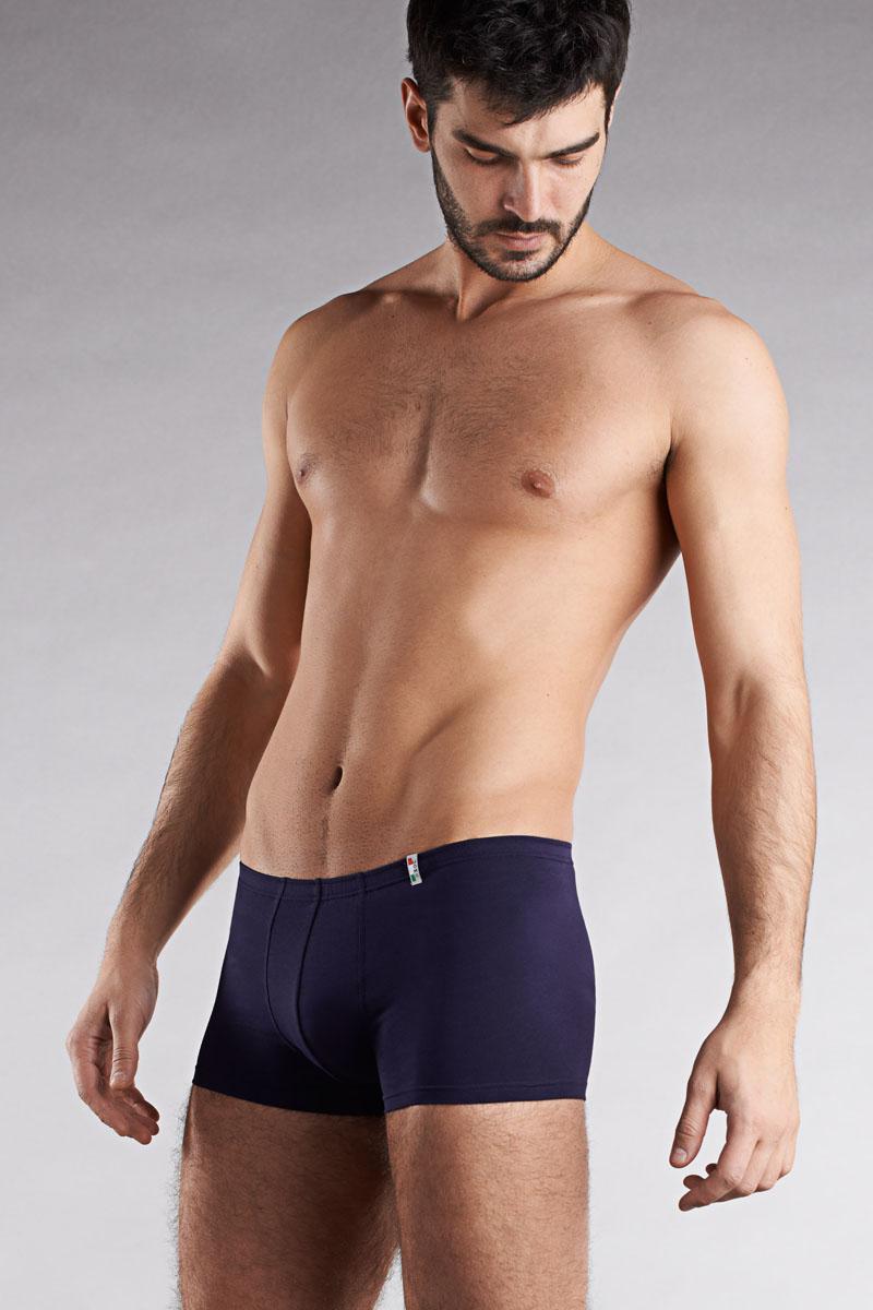 Трусы-боксеры мужские Griff, цвет: темно-синий. U01232. Размер L (48)U01232Мужские трусы-боксеры Griff с заниженной талией и с закрытой резинкой выполнены из эластичного хлопка. Удобная посадка и широкая эластичная резинка обеспечат наибольший комфорт при носке. Мужское белье итальянской марки Griff - это натуральные материалы и современная технология обработки, плюс продуманный дизайн. Главная цель - комфорт и практичность белья для стильных и требовательных к качеству мужчин.