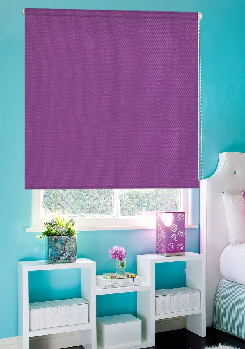 Штора рулонная Эскар Рояль, цвет: фиолетовый, ширина 140 см, высота 160 см804944140160Рулонными шторами можно оформлять окна как самостоятельно, так и использовать в комбинации с портьерами. Это поможет предотвратить выгорание дорогой ткани на солнце и соединит функционал рулонных с красотой навесных. Для изготовления рулонных штор используются ткани с различными рисунками и фактурой. Благодаря этому среди моделей рулонных штор для балконов и лоджий довольно большой выбор и вы всегда сможете подобрать для себя оптимальный вариант.Преимущества применения рулонных штор для пластиковых окон: - имеют прекрасный внешний вид: многообразие и фактурность материала изделия отлично смотрятся в любом интерьере;- многофункциональны: есть возможность подобрать шторы способные эффективно защитить комнату от солнца, при этом она не будет слишком темной. - Есть возможность осуществить быстрый монтаж.ВНИМАНИЕ! Размеры ширины изделия указаны по ширине ткани! Для выбора правильного размера необходимо учитывать – ткань должна закрывать оконное стекло на 3 см. Однотонная палитра - будет идеально гармонировать в любом интерьере, сочетаться с обоями, мебелью и другими функциональными или стилевыми элементами.
