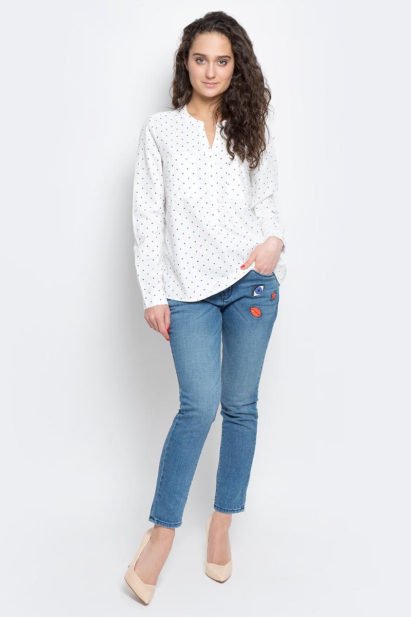 Блузка женская Tom Tailor Denim, цвет: белый. 2033032.00.71_8005. Размер S (44)2033032.00.71_8005Женская блуза Tom Tailor Denim с длинными рукавами и V-образным вырезом горловины выполнена из натурального хлопка. Блузка имеет свободный удлиненный крой, дополнена двумя нагрудными карманами. Манжеты рукавов застегиваются на пуговицы. Модель оформлена контрастным принтом в горох.