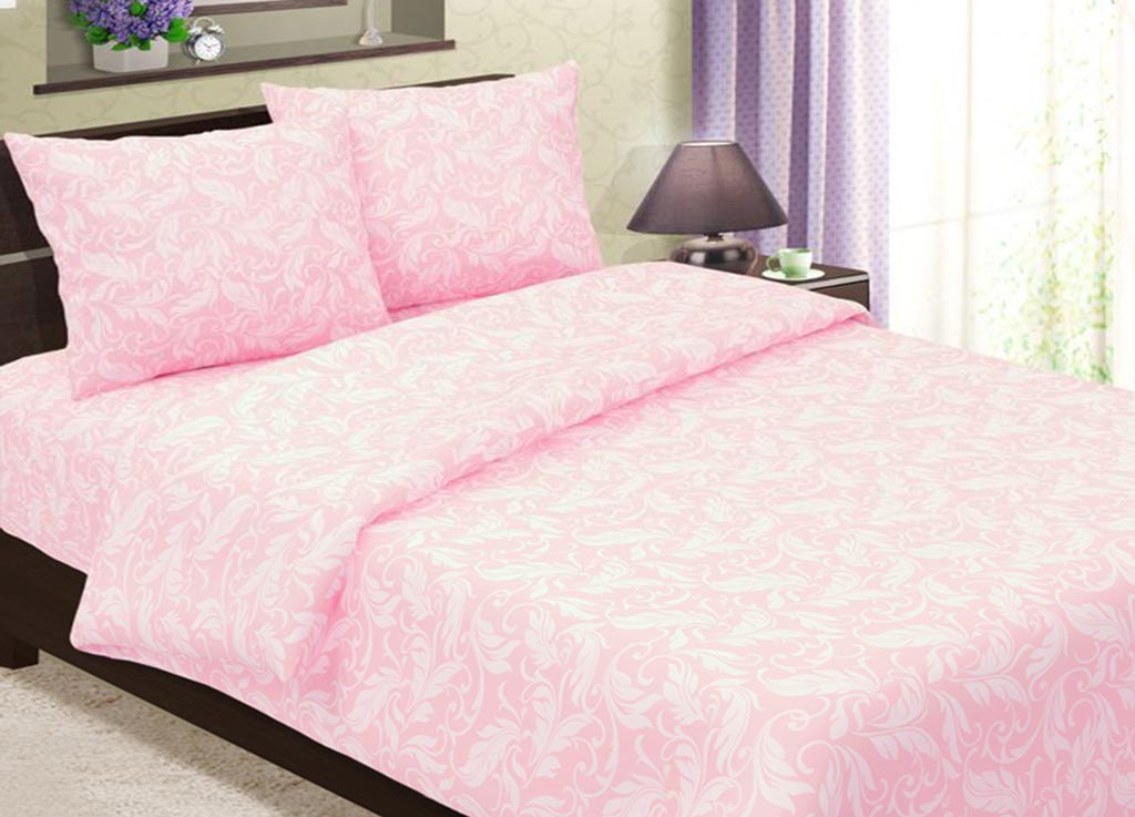 Комплект белья Primavera Перья, 1,5-спальный, наволочки 70x70, цвет: розовый88368Комплект постельного белья Primavera Перья является экологически безопасным для всей семьи, так как выполнен из высококачественного хлопка. Комплект состоит из одного пододеяльника на молнии, простыни и двух наволочек. Постельное белье оформлено нежным рисунком в виде перьев и имеет изысканный внешний вид. Постельное белье из хлопка превращает жаркие летние ночи в прохладные и освежающие, а холодные зимние - в теплые и согревающие. Приобретая комплект постельного белья Primavera Перья, вы можете быть уверенны в том, что покупка доставит вам и вашим близким удовольствие и подарит максимальный комфорт.