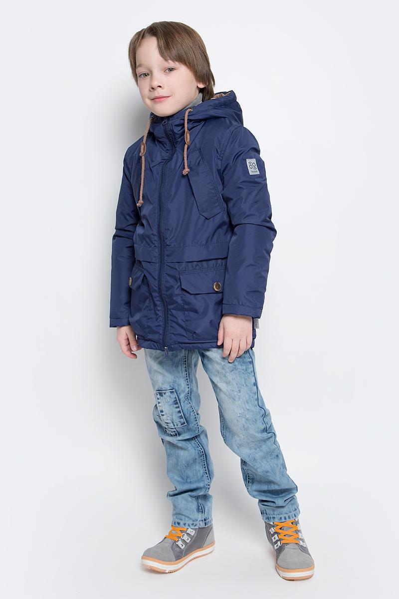Парка для мальчика Boom!, цвет: темно-синий. 70034_BOB_вар.3. Размер 98, 3-4 года70034_BOB_вар.3Модная куртка-парка Boom! идеально подойдет для вашего мальчика в прохладное время года. Модель изготовлена из 100% полиэстера. Подкладка, выполненная из полиэстера с добавлением вискозы и хлопка, приятная на ощупь. В качестве утеплителя используется синтепон - 100% полиэстер (100 г/м2). Куртка с капюшоном застегивается спереди на застежку-молнию. Капюшон дополнен затягивающимся шнурком. Изделие дополнено спереди двумя накладными карманами с клапанами на застежках-липучках и двумя нашитыми клапанами с имитацией под карманы. Манжеты рукавов дополнены застежками-кнопками. Нижняя часть спинки оформлена фирменной светоотражающей нашивкой, один из рукавов - нашивкой с названием бренда. Такая стильная парка станет прекрасным дополнением к гардеробу вашего ребенка, она подарит комфорт и тепло.
