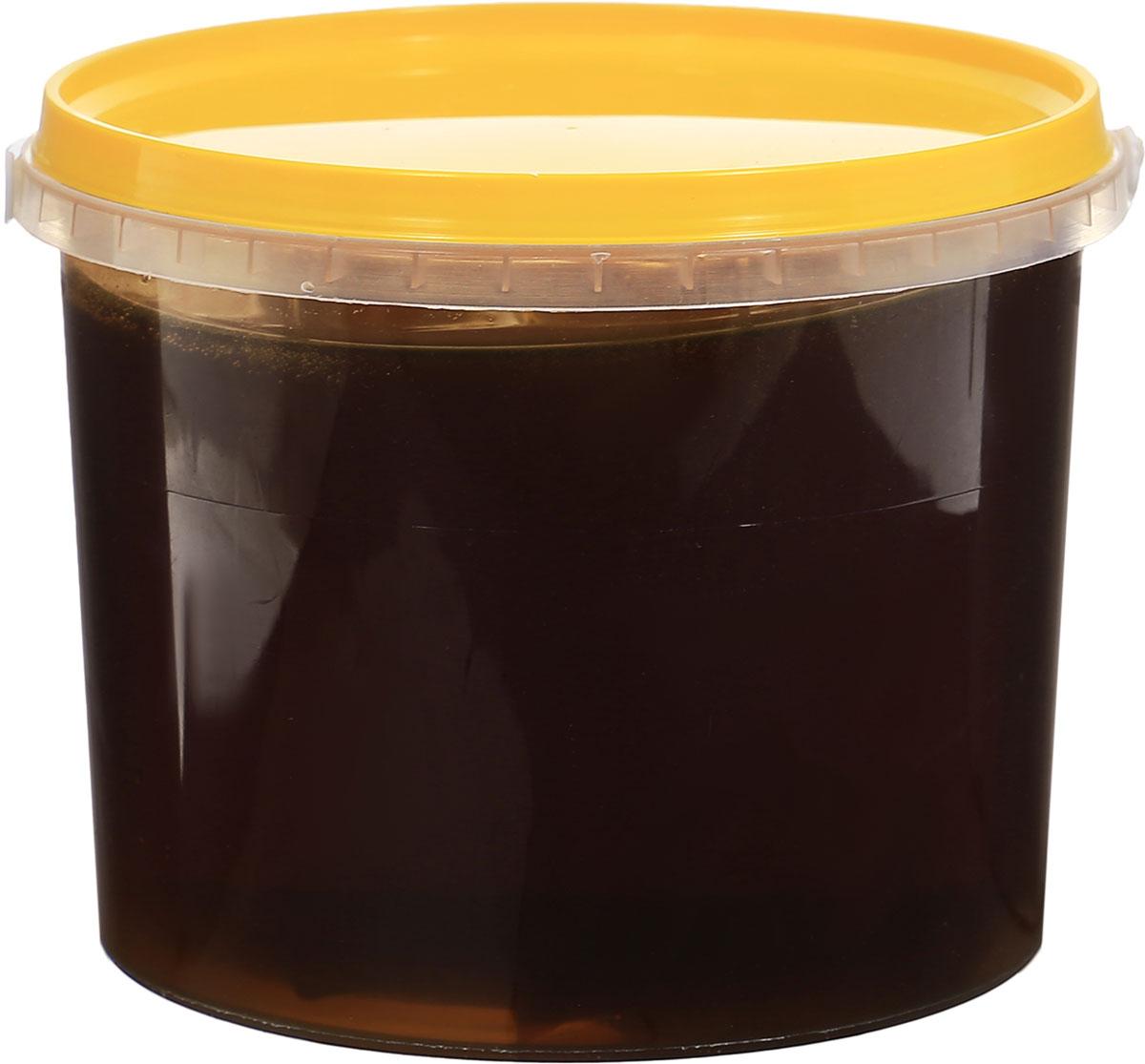 Медовед мед натуральный гречишный, 1 кг4627123647521Гречишный мед - это так называемый монофлерный сорт, который получают из цветов одного растения, в данном случае гречихи.Мед из гречихи богат простыми сахарами, в то время как жиров в нем почти нет. Натуральные компоненты, входящие в его состав, помогают бороться с бессонницей и стрессом. Благодаря относительно высокому содержанию железа, гречишный мед с успехом используется при первичной и вторичной формах анемии. Полезно употреблять в разумных количествах женщинам в детородном возрасте. Как известно, в этот период организм нуждается в повышенном количестве железа. Другое свойство данного продукта пчеловодства - слабый мочегонный эффект. Поэтому его целесообразно принимать при заболеваниях почек, цистите, гипертонической болезни. Простые легкоусваиваемые сахара стимулируют работу сердечно-сосудистой системы и улучшают мозговую деятельность. Хорошо утоляет тягу к сладостям и поддерживает обмен веществ на нормальном уровне без вреда для здоровья.Целебные сорта мёда. Статья OZON Гид