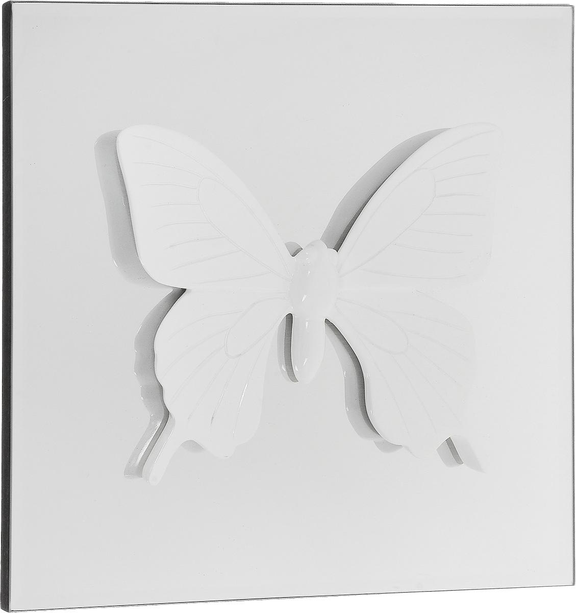 """Настенное украшение Феникс-Презент """"Бабочка""""  изготовлено из основы МДФ и зеркального стекла,  декоративный элемент выполнен из полирезина в виде  бабочки. Для удобства размещения изделие оснащено  металлической петелькой для подвешивания.  Такое украшение не только подчеркнет ваш изысканный  вкус, но и прекрасным подарком, который обязательно  порадует получателя."""