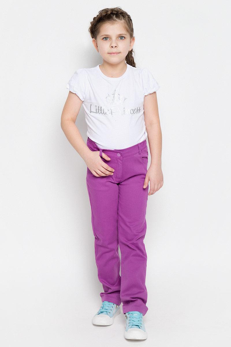 Брюки для девочки PlayToday, цвет: лиловый. 162154. Размер 98, 3 года162154Удобные брюки для девочки PlayToday идеально подойдут вашей маленькой моднице. Изготовленные из эластичного хлопка, они мягкие и приятные на ощупь, не сковывают движения, сохраняют тепло и позволяют коже дышать, обеспечивая наибольший комфорт.Брюки застегиваются на металлическую кнопку в поясе, также имеется ширинка на застежке-молнии и шлевки для ремня. Объем пояса регулируется при помощи эластичной резинки на пуговицах. Спереди модель дополнена двумя втачными карманами и небольшим накладными кармашком, а сзади - двумя накладными карманами. Практичные и стильные брюки идеально подойдут вашей малышке, а модная расцветка и высококачественный материал позволят ей комфортно чувствовать себя в течение дня!