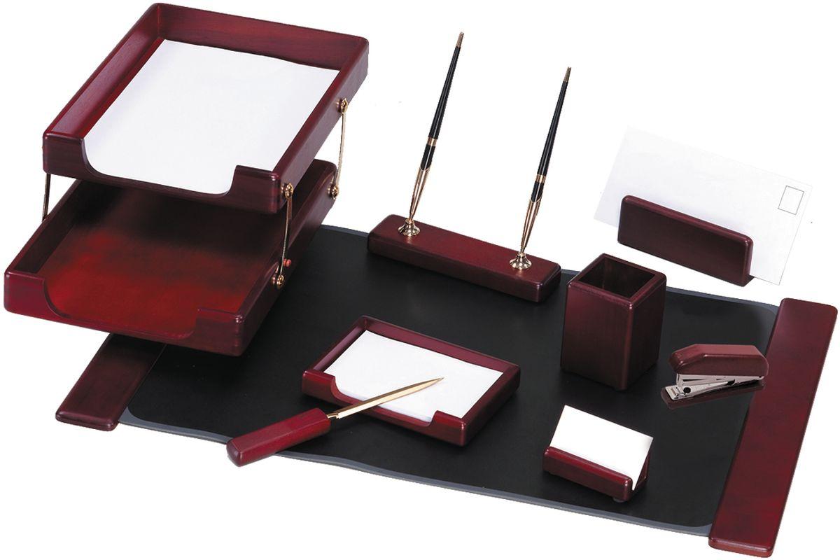Delucci Канцелярский набор 9 предметов цвет красное деревоMBn_09201Классический стиль помогает аксессуарам с легкостью вписываться в любой интерьер, дополняя и обогащая его. Набор Delucci из натурального дерева придаст завершённый вид рабочему месту любого руководителя или сотрудника. В него входят: подкладка для письма, подставка для ручек, подставка для бумажного блока, подставка для визитных карточек, подставка для конвертов, подставка для карандашей, нож для открывания писем, степлер, двухуровневый лоток для бумаг.