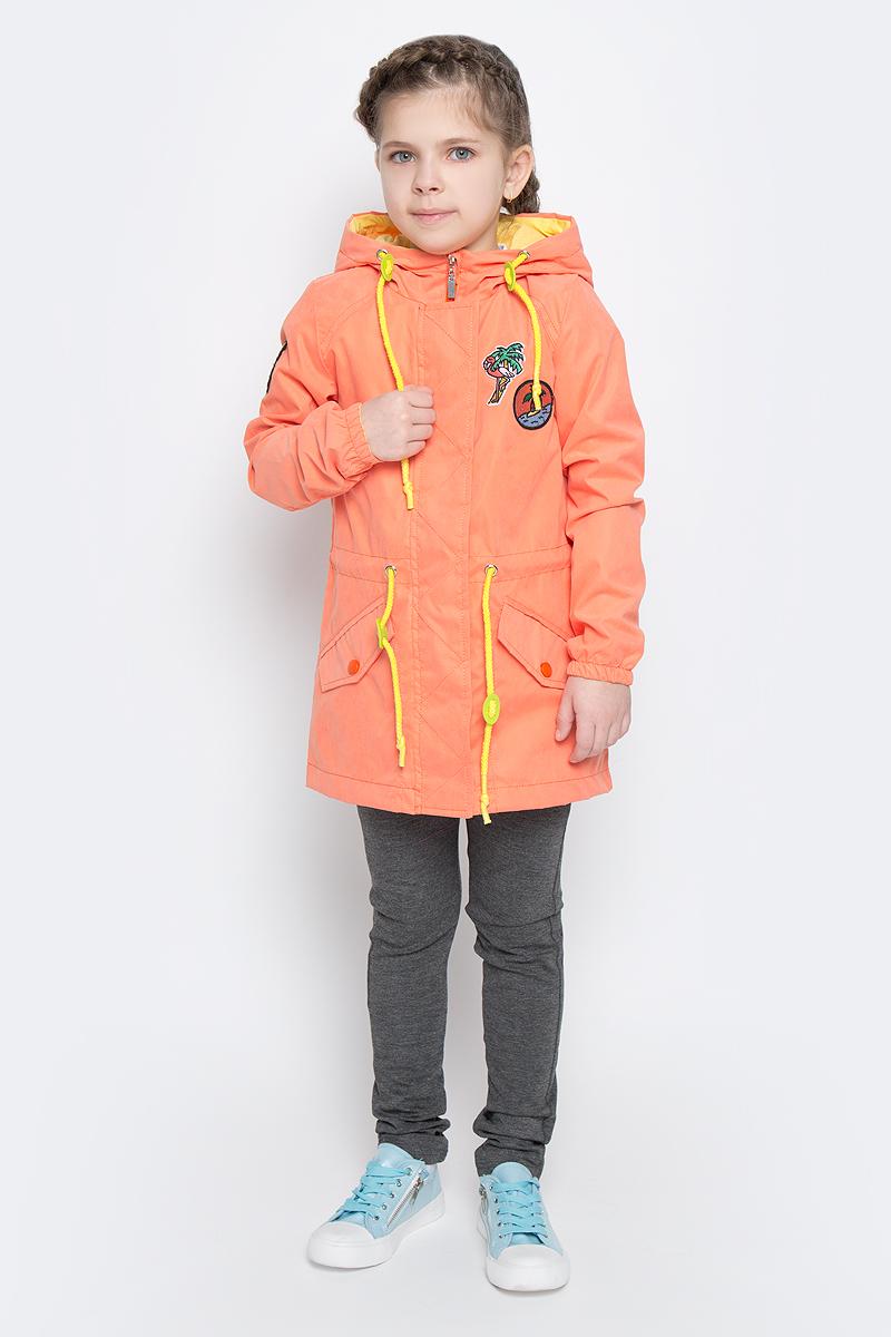 Парка для девочки Boom!, цвет: оранжевый. 70002_BOG_вар.3. Размер 98, 3-4 года70002_BOG_вар.3Модная парка для девочки Boom! изготовлена из 100% полиэстера. Парка с капюшоном застегивается на пластиковую застежку-молнию и дополнительно имеет верхнюю ветрозащитную планку на липучках. Рукава дополнены эластичными резинками. Спереди предусмотрены два кармана с клапанами на металлических кнопках. Капюшон и талия дополнены трикотажным шнурками со стопперами. Изделие дополнено оригинальными нашивками и светоотражающими элементами.