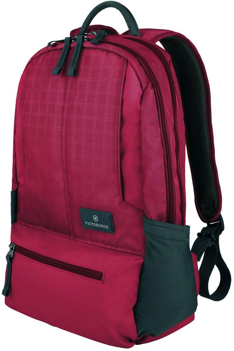 Рюкзак городской Victorinox Altmont 3.0 Laptop Backpack, цвет: красный, 25 л + ПОДАРОК: нож-брелок Escort32388303Индивидуальность — это то,что отличает вас от любого другого человека,с которым вы сталкиваетесь на улице,в поезде,с которым вы общаетесь в городе.Каждый день вашей жизни — это уникальный опыт,котрый никогда больше не повторится.Коллекция Almont 3.0 создавалась с рачетом на индивидульность. VICTORINOXарт. 32388303РЮКЗАК ДЛЯ НОУТБУКА32x17x46 см0,7 кг25 л• Идеально приспособленный для ежедневных поездок на работу, этот прочный вместительный рюкзак прекрасно подойдёт для хранения ноутбука и других повседневных вещей• Внутренняя организационная секция включает в себя карман с откидной крышкой, петли для ручек, карман для небольших электронных устройств и карманы для хранения• На внешней части рюкзака расположены две застежки-молнии, обеспечивающие быстрый доступ для хранения мелких предметов, и многофункциональные растягивающиеся боковые карманы