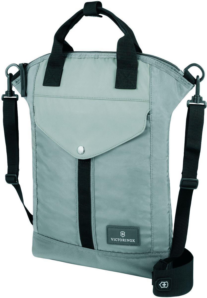 Сумка наплечная Victorinox Altmont 3.0 Slimline Tote, цвет: серый, 5 л32389704Наплечная сумка Victorinox Altmont 3.0 Slimline Tote выполнена из высококачественного нейлона и оформлена фирменной пластинкой.ХАРАКТЕРИСТИКИ И СВОЙСТВА • Мягкий карман для электронного устройства диагональю 10 (25 см) для хранения iPad, Kindle, планшета или электронной книги • Внешняя сторона включает в себя передний карман с застёжкой-клапаном • Лицевые, боковые и задние скрытые карманы на молнии обеспечивают дополнительную безопасность и места для хранения • Регулируемый съемный плечевой ремень для удобства переноски.