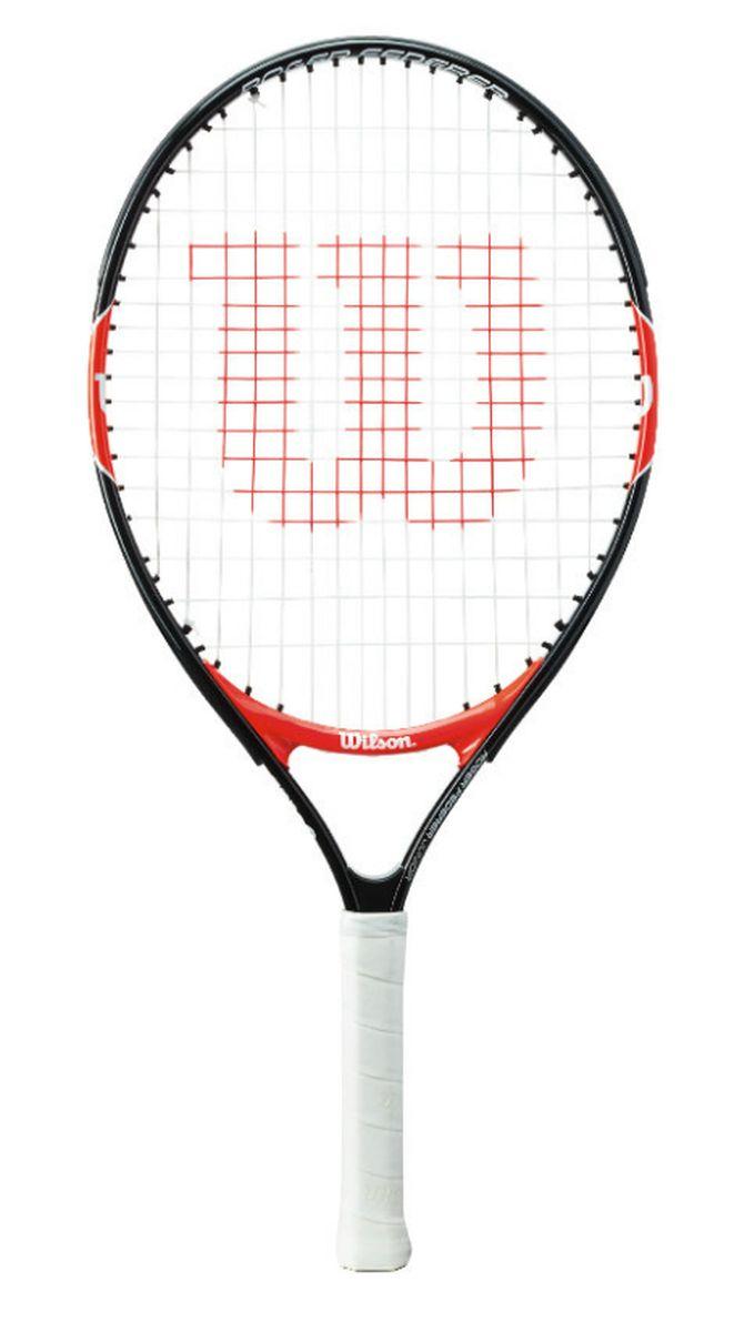 Ракетка теннисная Wilson Roger Federer 23, детскаяWRT200700Теннисная ракетка Wilson Roger Federer 23 была создана специально для юных поклонников большого тенниса. Данная модель является новинкой в теннисном мире, а точнее усовершенствованным инструментом. Производитель определил ее в категорию детских ракеток. Она предназначена для детей, чей рост находится в границах 120-130 сантиметров. Эта модель отличается высокой маневренностью и легкостью. Последний параметр был достигнут благодаря конструкции из алюминиевого материала. Она получилась прочной и надежной, безопасной для детей.Вес со струной: 205 г.Размер обода: 95 кв. дюймов.Длина: 58 см.Струнная поверхность: 16 x 17 см.