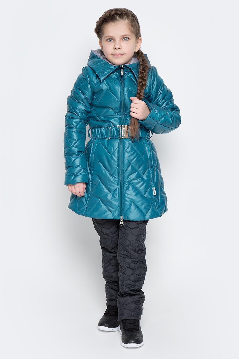 Куртка для девочки Boom!, цвет: бирюзовый. 70007_BOG_вар.2. Размер 110, 5-6 лет70007_BOG_вар.2Удлиненная куртка для девочки Boom! c длинными рукавами и несъемным капюшоном выполнена из прочного полиамида. Наполнитель - синтепон. Модель застегивается на застежку-молнию спереди. Изделие имеет два втачных открытых кармана спереди, на талии расположены шлевки для ремня. В комплект входит пояс с широкой эластичной резинкой, фиксирующийся при помощи металлической пряжки-защелки. Куртка дополнена светоотражающими элементами.