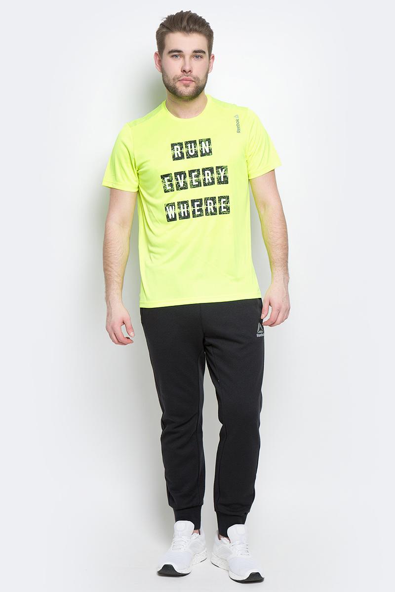 Футболка для бега мужская Reebok Re Ss Tee, цвет: неоново-желтый. BK7280. Размер L (52/54)BK7280Мужская футболка Reebok выполнена из полиэстера и полиэфира. Облегающий крой отлично подходит для интенсивных тренировок и совершенно не стесняет движения. У модели классический круглый ворот и короткие стандартные рукава, спереди - вставка со спартанским принтом.