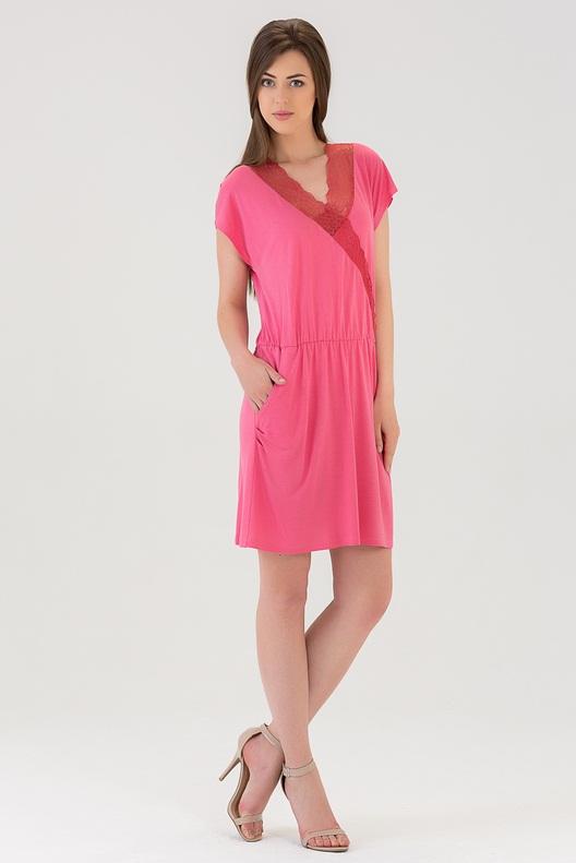 Сорочка женская Tesoro, цвет: ягодный лимонад. 439C1. Размер 44439C1Чудесная ночная сорочка из вискозы длиной выше колена. С фиксацией на талии. Украшена кружевом по вырезу груди.