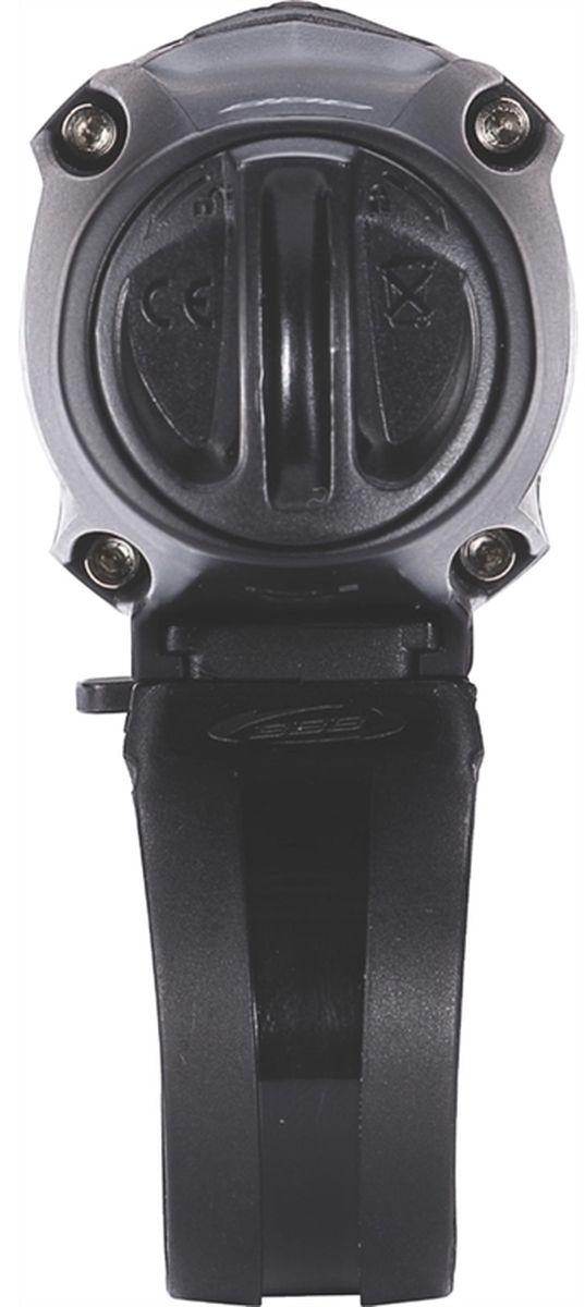 """Фонарь BBB """"Strike 760 Lumen LED"""" имеет мощный круглый световой поток, который одинаково хорошо подходит как для шоссе, так и для  маунтинбайка. Устанавливается как на шлем, так и на руль. Питание от встроенного аккумулятора. Особенности: Мощный светодиод XML CREE LED со световым потоком 760 Люмен. Быстро и просто заряжается от USB. Индикатор заряда батареи. Водонепроницаемый. Сменный встроенный аккумулятор EnergyBar (BLS-93). Литий-ионный аккумулятор Samsung (2600 mAh, 3,7V). 5 режимов: Супер яркий, яркий, стандартный, экономичный и мигающий. В комплекте крепление на руль TightFix. В комплекте кабель mini USB."""