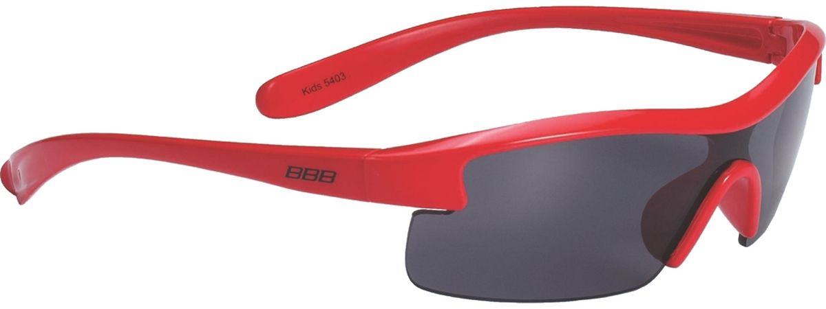 Очки солнцезащитные BBB Kids PC Smoke Lens, цвет: красный, черныйBSG-54Специальные детские очки BBB Kids PC Smoke Lens небольшого размера имеют прочную монолитную оправу, выполненную из поликарбоната. Округлая форма линз обеспечивает защиту от солнца, пыли и ветра. 100% защита от ультрафиолета.Мешочек для хранения в комплекте.