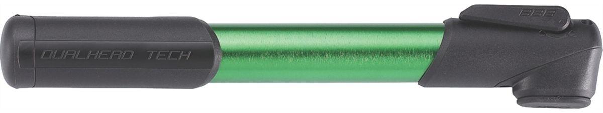 Насос велосипедный BBB WindRush S, цвет: зеленый, черный, 250 ммBMP-55Насос велосипедный BBB WindRush S имеет легкий корпус, выполненный из алюминия 6063 T6. Металлический плунжер обеспечивает быстрое накачивание большого объема воздуха. Насадка DualHead с фиксатором под большой палец. Колпачок предохраняет ниппели от загрязнения. Подходит для ниппелей Presta, Schrader и Dunlop. Давление до 7 bar/100 psi. Длина: 250 мм.