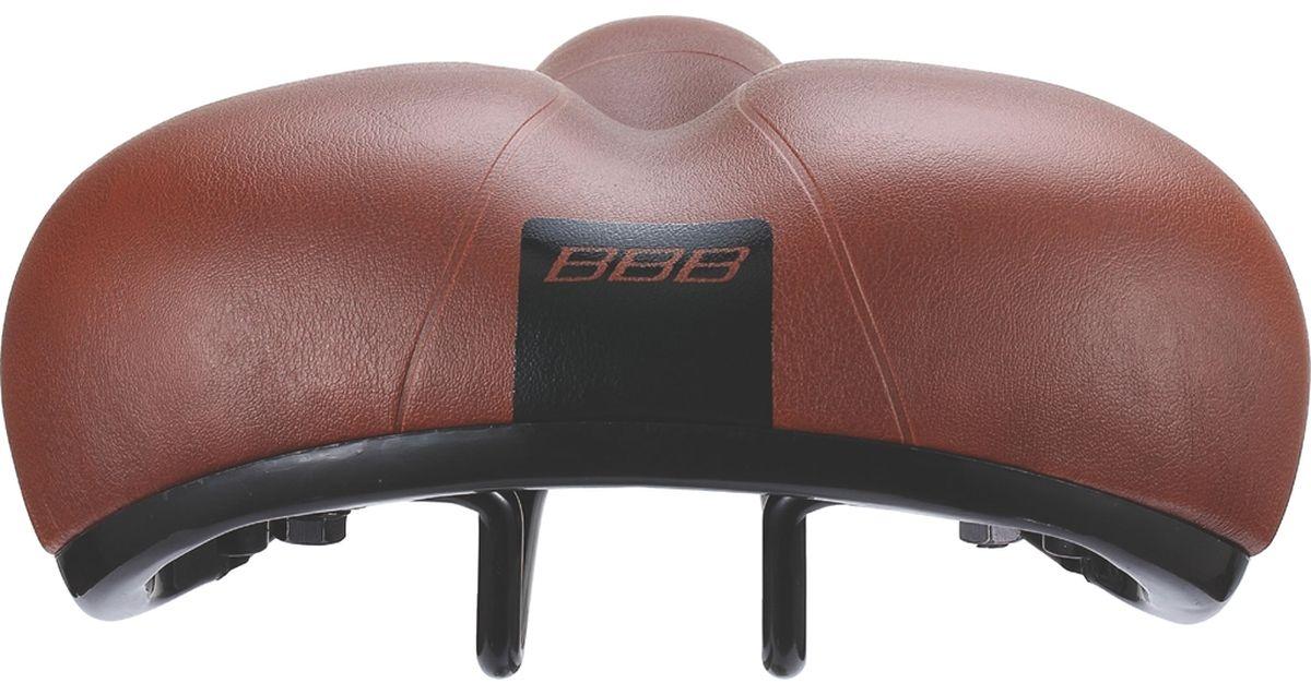 """BBB """"BaseShape One Piece Cover"""" - это седло для городского катания без каких-либо излишних усложнений. Комфортная мягкая подкладка и прочное покрытие из искусственной кожи идеально подходит для езды по городу на небольшие расстояния. Комфортное седло водонепроницаемо. Подходит как для мужчин, так и для женщин. Имеет прочные рельсы со шкалой для точной регулировки. Полипропиленовый каркас и """"бамперы"""" обеспечивают дополнительную защиту. Пена обладает средней плотностью. Размер: 20,5 х 24 см."""