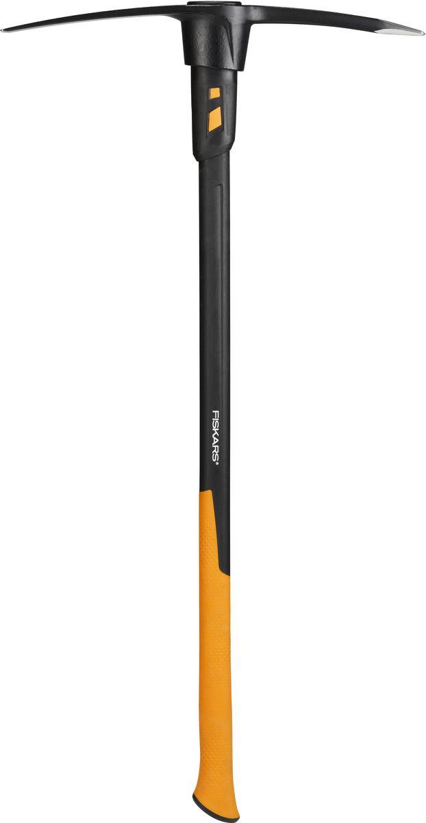 Кирка Fiskars, 2,3 кг1020166Кирка Fiskars подходит для работы с каменистыми поверхностями, например с гравием. Уникальная система поглощения вибрации до 50% обеспечивает удобство в работе. Можно использовать в качестве культиватора. Защита при промахе. Длинная рукоятка дает сделать больший замах. Вес бойка: 2,3 кг. Длина ручки: 92 см.
