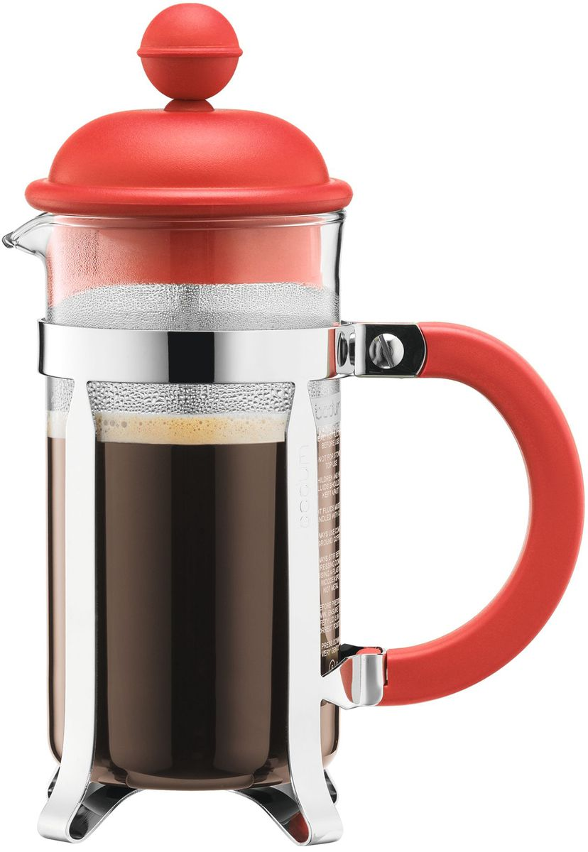 Кофейник с прессом Bodum Caffettiera, цвет: красный, 350 мл. A1913-137-Y16A1913-137-Y16Кофейник Bodum Caffettiera изготовлен из высококачественного стекла и оснащен фильтром french press из нержавеющей стали, который позволяет легко и просто приготовить отличный напиток. Кофейник оснащен удобной пластиковой ручкой, что исключает его выскальзывание из руки и помещен в оправу из пластика, которая эффективно защищает стекло. Настоящим ценителям натурального кофе широко известны основные и наиболее часто применяемые способы его приготовления: эспрессо, по-турецки, гейзерный. Однако существует принципиально иной способ, известный как french press, благодаря которому приготовление ароматного напитка стало гораздо проще.
