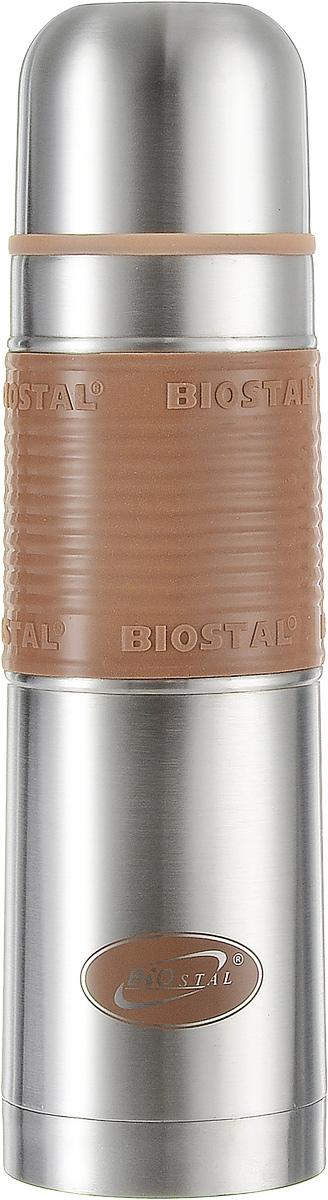 """Термос """"Biostal"""" прост в использовании и многофункционален. Он изготовлен из высококачественной нержавеющей стали. Термос предназначен для хранения горячих и холодных напитков. Изделие имеет удобную нескользящую силиконовую вставку. Удобная пробка с кнопкой позволяет наливать напитки, не отвинчивая пробку."""