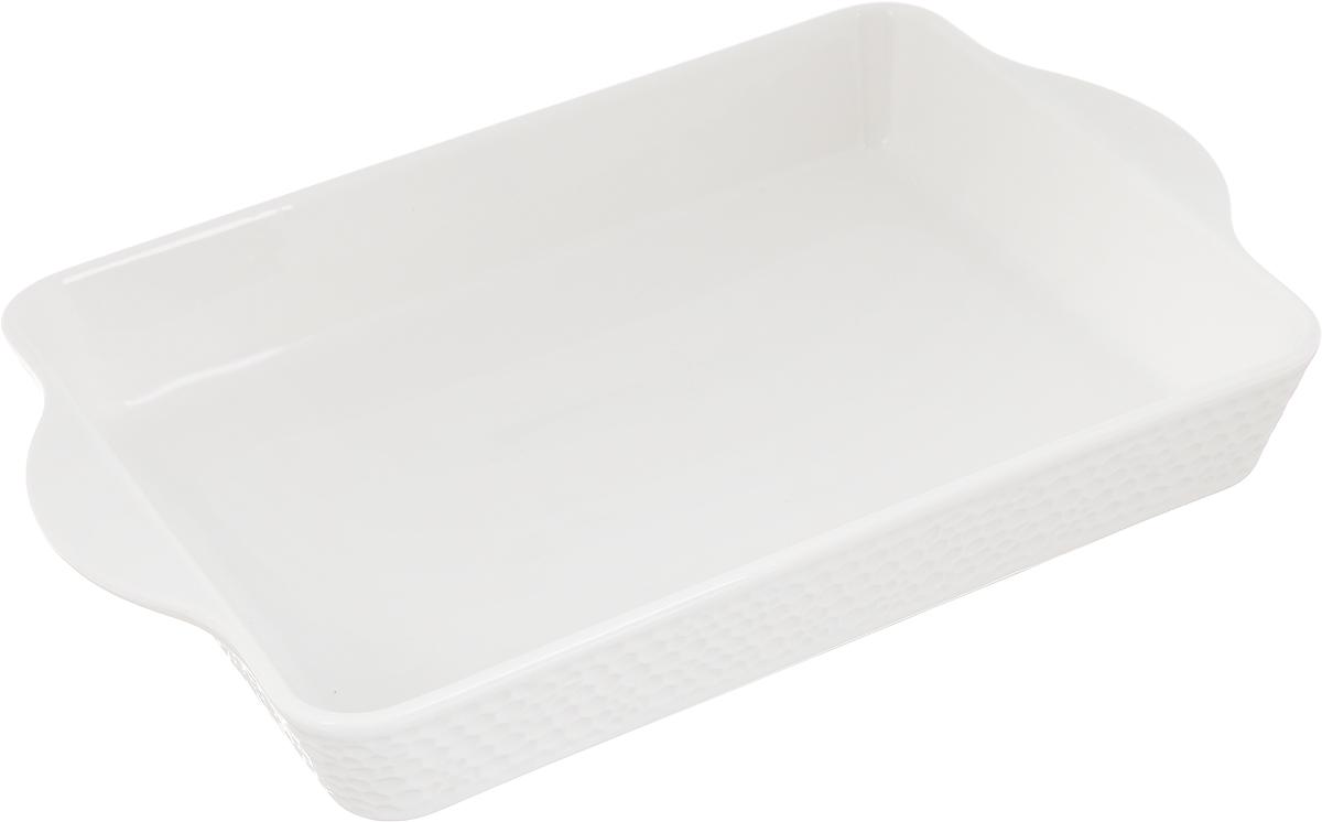 Блюдо для запекания Claude Monet, прямоугольное, 25,5 х 17 см596-044Блюдо для запекания Claude Monet, изготовленное из высококачественного фарфора, идеально подойдет для приготовления блюд в духовке, а также сервировки стола. Блюдо станет отличным дополнением к вашему кухонному инвентарю и подчеркнет прекрасный вкус.Допускается использовать в духовом шкафу, холодильнике и микроволновой печи. Размер по верхнему краю (с учетом ручек): 25,5 х 17 см. Высота стенки: 4,5 см.