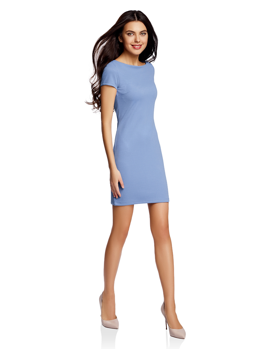 Платье oodji Ultra, цвет: светло-синий. 14001117-11B/45211/7500N. Размер XL (50-170)14001117-11B/45211/7500NСтильное платье oodji Ultra облегающего кроя выполнено из качественного фактурного трикотажа в мелкий рубчик. Модель мини-длины с вырезом-лодочкойи короткими рукавами выгодно подчеркивает достоинства фигуры.