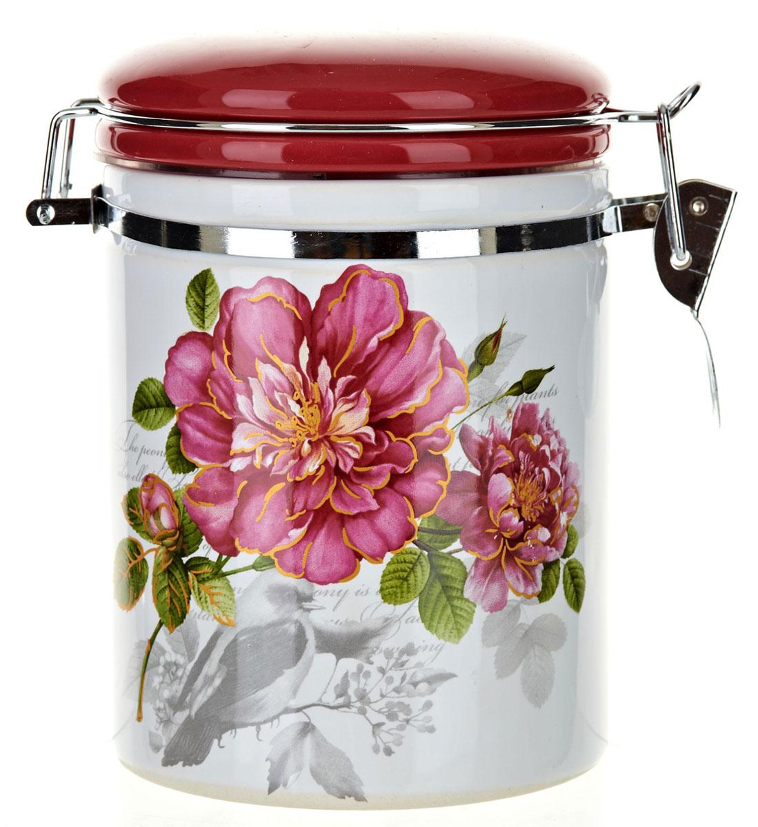 Банка для сыпучих продуктов Райский сад, цвет: белый, красный, 600 мл. L2520364L2520364Банка для сыпучих продуктов Райский сад изготовлена из прочной доломитовой керамики, покрытой слоем сверкающей гладкой глазури. Изделие оформлено красочным изображением. Банка прекрасно подойдет для хранения различных сыпучих продуктов: чая, кофе, сахара, круп и многого другого. Благодаря силиконовой прослойке и бугельному замку, крышка герметично закрывается, что позволяет дольше сохранять продукты свежими. Изящная емкость не только поможет хранить разнообразные сыпучие продукты, но и стильно дополнит интерьер кухни. Изделие подходит для использования в посудомоечной машине и в холодильнике.Объем: 600 мл.