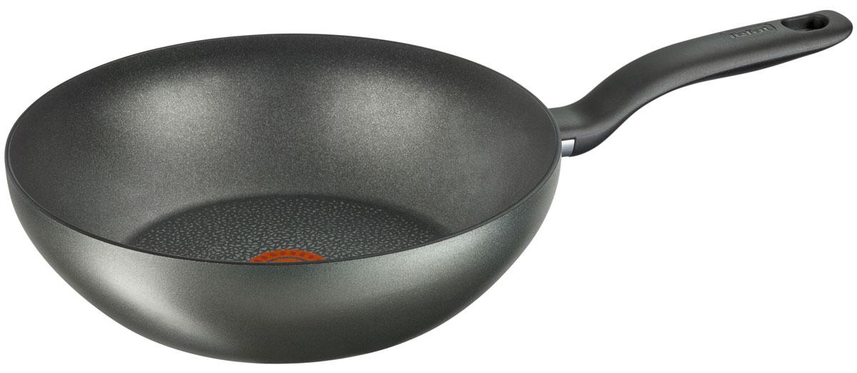 Сковорода-вок Tefal Hard Titanium+, с антипригарным покрытием. Диаметр 28 смC6921902Благодаря передовым технологиям сковороды и кастрюли Tefal представляют совершенство как в плане долговечности, так и в результатах готовки. Контроль температуры приготовления - это ключ к отличным результатам на кухне. При слишком низкой температуре цвет продукта теряет насыщенность, а текстура - упругость. В результате блюдо получится пресным и невыразительным на вкус. Используйте индикатор температурного нагрева Tefal Thermo-Spot® для того, чтобы ваши блюда всегда были превосходными на вкус! Благодаря усиленному слою с минеральными и титановыми частицами Titanium Excellence прослужит до 3-х раз дольше в сравнении с антипригарным покрытием Titanium Force по результатам тестов, проведенных независимой лабораторией SGS. Над созданием покрытия в течение 3-х лет работали 20 ученых и инженеров.