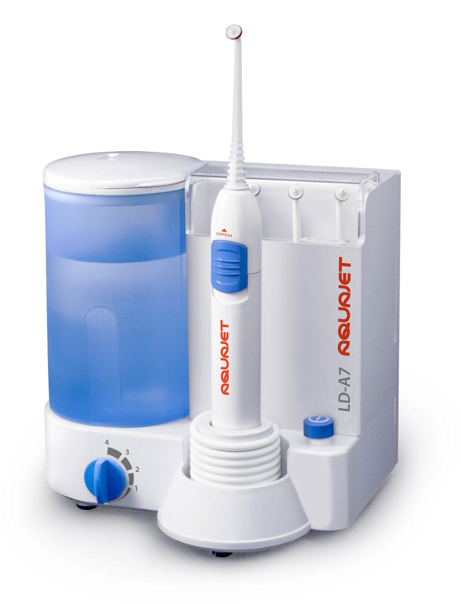 Little Doctor Ирригатор полости рта LD-A70001495Ирригатор Little Doctor LD-A7 предназначено для чистки межзубных промежутков и других труднодоступных мест. Очищение производится при помощи пульсирующей струи жидкости, которая подается под давлением. Именно такой принцип работы позволяет прибору удалить значительную часть болезнетворных микробов, находящихся в местах, где зубная щетка бессильна. Повысить качество процедуры можно, заменив воду травяным настоем, отваром, эликсиром или бальзамом для полоскания полости рта. Добиться максимального эффекта можно лишь в случае соблюдения предписаний стоматолога, комбинируя пользование ирригатором с прочими обязательными гигиеническими процедурами. На энергетическом блоке пользователю доступен регулятор режимов давления и напора жидкости. Простой принцип работы и легкость управления – главные особенности. Прибор функционирует в четырех режимах: мягкий (преимущественно для детских и чувствительных десен); средний (стандартный); массажный; интенсив (усиленный). В корпусе под защитной крышкой находятся четыре стандартные насадки для регулярной эксплуатации. Для простоты использования они помечены цветными маркерами. Длительный срок эксплуатацииВозможность стационарного крепления на стенеВысокая эффективность и надежностьПревосходит и дополняет чистку зубов при помощи зубной нити и зубной щеткиСпециализирован для работы с брекет-системами, коронками и другими ортодонтическими системамиОбъём резервуара для жидкости: 500 мл