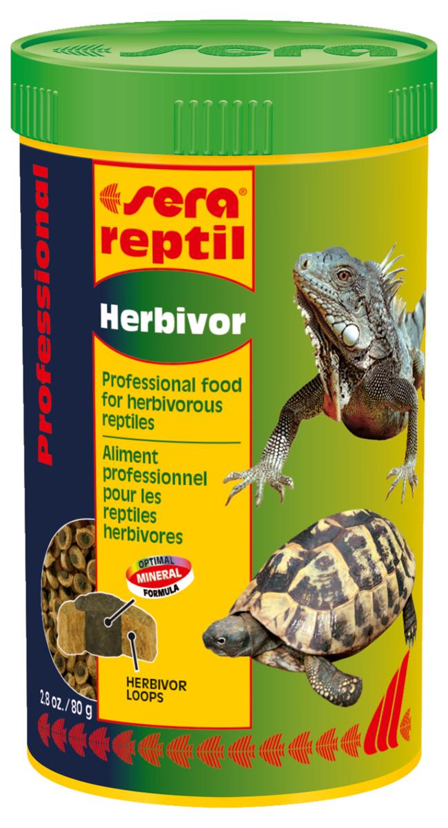 Корм для рептилий Sera Reptil Professional Herbivor, 250 мл (80 г)1810Корм для рептилий Sera Reptil Professional Herbivor - уникальный корм для растительноядных рептилий, состоящий из двухцветных гранул, произведенных с использованием процесса высокофункциональной коэкструзии. Корм предназначен для растительноядных рептилий, таких, например, как сухопутные черепахи и игуаны. Корм, составляющий оболочку-кольцо, содержит смесь различных трав, богат балластными веществами и по составу соответствует кормовой базе среды обитания. Одновременно с этим оболочка-кольцо характеризуется высоким качеством белков и жиров, при их пониженном содержании. Сердцевина гранул зеленого цвета экструдируется при более низкой температуре, по щадящей технологии. Она богата жизненно важными витаминами, минералами и морскими водорослями для укрепления устойчивости к заболеваниям. Оптимальное соотношение кальция и фосфора является основой для здорового роста костей и панциря животных. Инструкция по применению: Кормить экономно. Смешать со свежим кормом в соответствии с потребностями животных. Ингредиенты: кукурузный крахмал, пшеничная мука, пшеничная клейковина, спирулина, травы, пивные дрожжи, крапива, люцерна, петрушка, гаммарус, паприка, рыбий жир, шпинат, морковь, зеленые мидии. Аналитический состав: протеин 14,8%, жиры 4,8%, клетчатка 13,3%, влажность 6,2%, зольные вещества 6,3%, кальций 1,6-2,0%, фосфор 0,7%.Витамины и провитамины: витамин A 3.700 МЕ/кг, витамин D3 180 МЕ/кг, витамин E (D, L-а-tocopheryl acetate) 12 МЕ/кг, витамин B1 3,5 мг/кг, витамин B2 9 мг/кг, витамин C (L-ascorbyl monophosphate) 55 мг/кг. Товар сертифицирован.