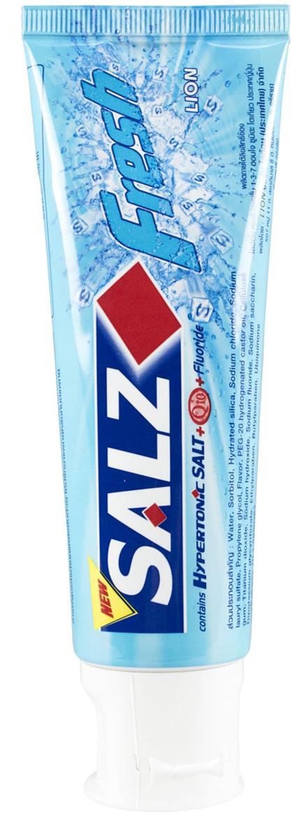 LionThailand Salz Fresh Паста зубная, 90 гр008953Инновационная формула зубной пасты «All Protection» обеспечивает комплексную защиту и уход за полостью рта. Зубная паста Salz содержит несколько активных компонентов: гипертоническую соль, коэнзим Q10 и фтор для защиты полости рта и устранения неприятного запаха. Прекрасно освежает дыхание. Обладает свежим ароматом зеленой мяты.-Концентрированное содержание гипертонической соли укрепляет десна и уменьшает количество бактерий, которые являются причиной появления неприятного запаха изо рта. -Коэнзим Q10, являясь антиоксидантом, надежно защищает полость рта и десна.-Фтор предупреждает развитие кариеса и улучшает состояние зубной эмали.Способ применения: чистить зубы не менее 3х минут, последовательно обрабатывая наружные, жевательные и внутренние поверхности всех зубов. Меры предосторожности: хранить в недоступном для детей месте.Способ хранения: хранить в прохладном сухом месте. Состав: вода, сорбитол, гидратированный диоксид кремния, лаурилсульфат натрия, пропилен гликоль, целлюлозная камедь, диоксид титана, фторид натрия (менее 0,15%), убихинон (Q10), сахарин натрия, гидроксид натрия, дикалия глицирризат.