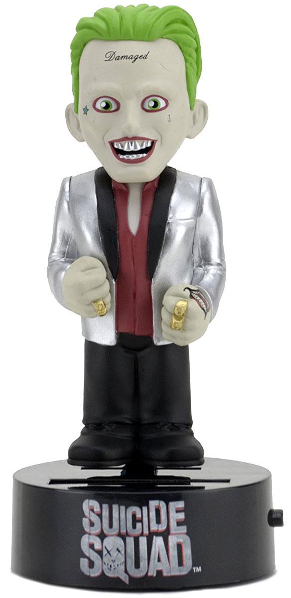 Отряд самоубийц. Фигурка на солнечной батарее Joker neca набор подарочный dc comics limited edition batman фигурка 15 см наушники держатели проводов 3 жетона биты