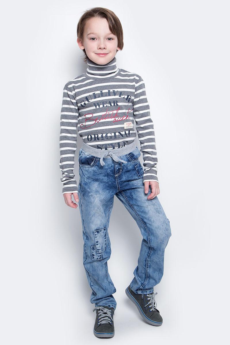 Джинсы для мальчика PlayToday, цвет: синий деним. 361059. Размер 98361059Удобныеджинсы для мальчика выполнены из натурального хлопка в стиле вареных джинсов 90-х годов и оформлены декоративными заплатками. Джинсы зауженного кроя и стандартной посадки на талии имеют пояс на широкой трикотажной резинке, дополнительно регулируемый шнурком. Модель представляет собой классическую пятикарманку: два втачных и один маленький накладной кармашек спереди и два накладных кармана сзади.