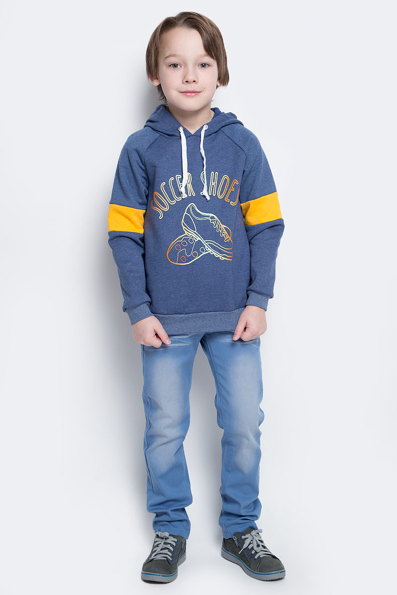 Толстовка для мальчика КотМарКот, цвет: темно-синий. 20816. Размер 128, 8 лет20816Толстовка для мальчика КотМарКот изготовлена из натурального хлопка. Толстовка с длинными рукавами-реглан имеет капюшон, объем которого регулируется при помощи шнурка-кулиски. Низ и манжеты рукавов толстовки дополнены широкими трикотажными резинками. Толстовка оформлена принтом с изображением кроссовок и надписью Soccer Shoes.