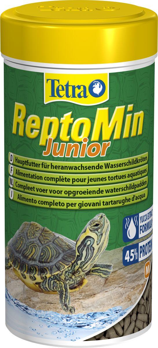 Корм Tetra ReptoMin Junior, для молодых водных черепах, палочки, 250 мл258884Tetra ReptoMin – основной полноценный корм для молодых водных черепах в виде палочек.Корм идеален в качестве основного рациона питания водных черепах, содержит жизненно необходимые компоненты, кальций для укрепления панциря и фосфор. Высокий процент легко усваиваемых белков способствует насыщению организма и его интенсивному росту.