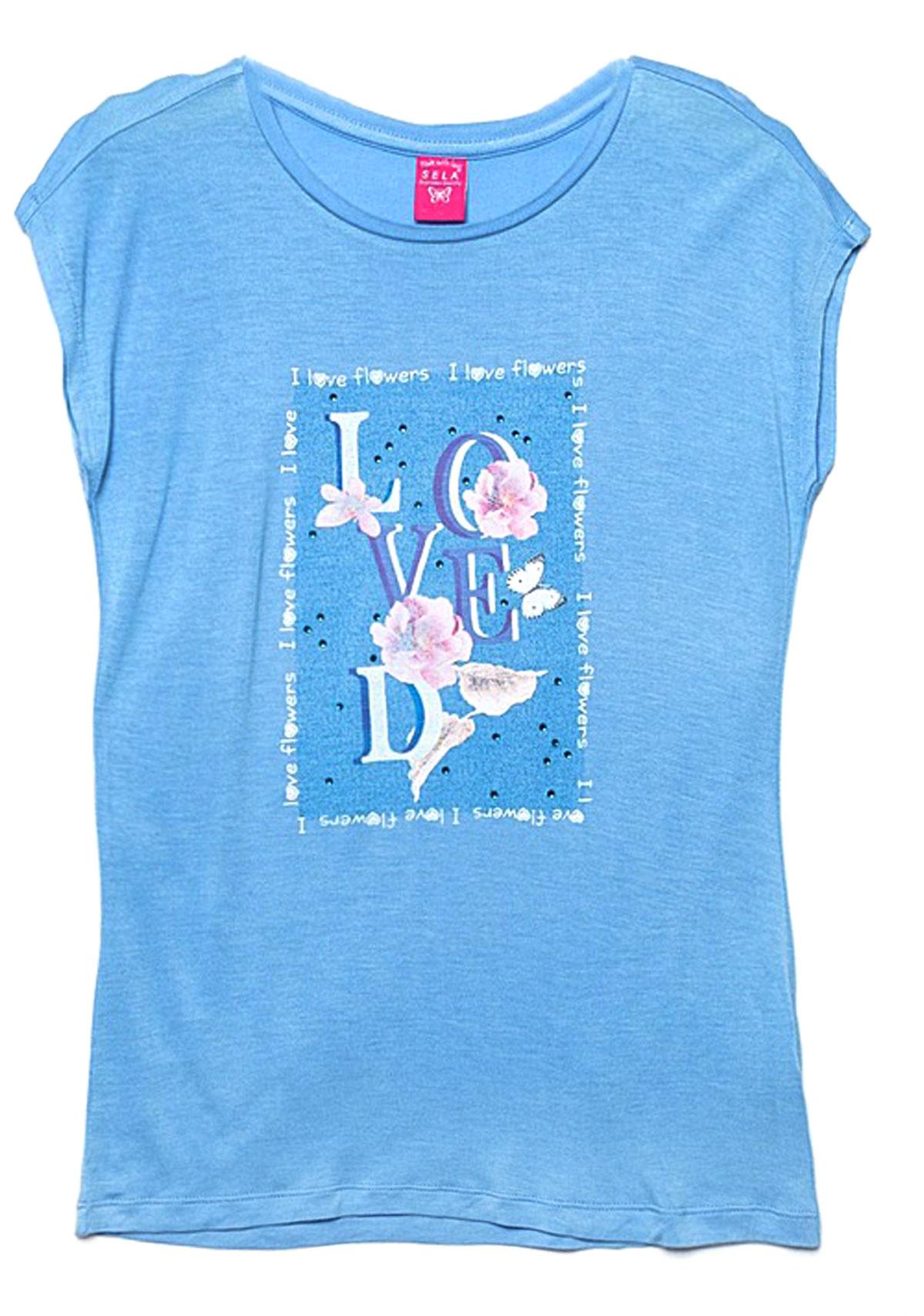 Футболка для девочки Sela, цвет: светло-голубой. Ts-611/946-7131. Размер 128, 8 летTs-611/946-7131Стильная футболка для девочки Sela станет отличным дополнением к гардеробу юной модницы. Модель прямого кроя изготовлена из качественного трикотажа и оформлена оригинальным принтом и стразами. Воротник дополнен мягкой эластичной бейкой.