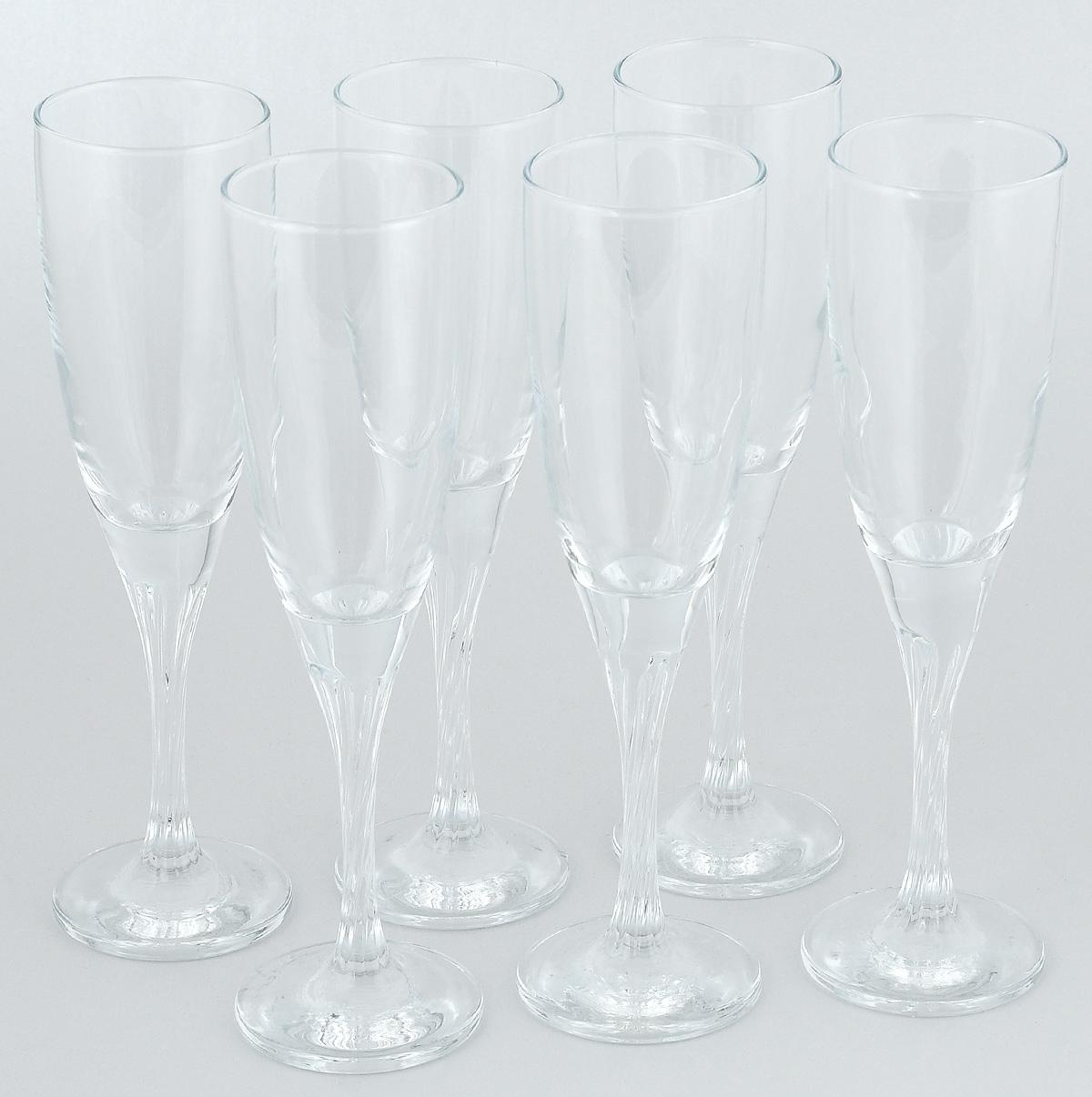 """Набор Pasabahce """"Twist"""" состоит  из шести классических фужеров, выполненных из  прочного стекла. Изделия  оснащены высокими ножками и предназначены  для подачи шампанского. Они сочетают в себе элегантный дизайн и  функциональность. Набор фужеров Pasabahce """"Twist"""" прекрасно  оформит праздничный стол  и создаст приятную атмосферу за  романтическим ужином. Такой набор также станет  хорошим подарком к любому случаю."""