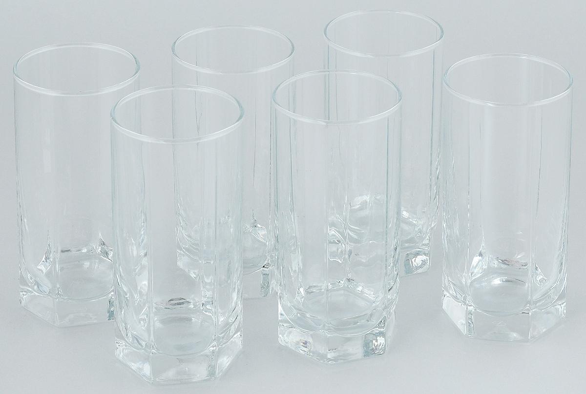 """Набор """"Pasabahce"""", состоящий из шести стаканов, несомненно, придется вам по душе. Стаканы предназначены для подачи коктейлей, сока, воды и других напитков. Они изготовлены из прочного высококачественного прозрачного стекла и сочетают в себе элегантный дизайн и функциональность. Благодаря такому набору пить напитки будет еще вкуснее.Набор стаканов """"Pasabahce"""" идеально подойдет для сервировки стола и станет отличным подарком к любому празднику."""