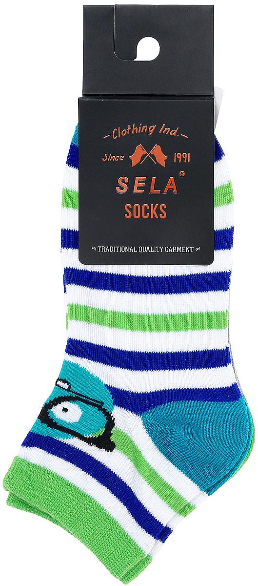 Носки для мальчика Sela, цвет: белый, салатовый, синий, 2 пары. SOb-7854/013-7102-2set. Размер 20/22SOb-7854/013-7102-2setНоски для мальчика Sela изготовлены из высококачественного эластичного хлопка с добавлением полиэстера. Укороченные носки имеют эластичную резинку, которая надежно фиксирует носки на ноге. Носки оформлены контрастными полосками и вставками. В комплект входят 2 пары носков с разными принтами.